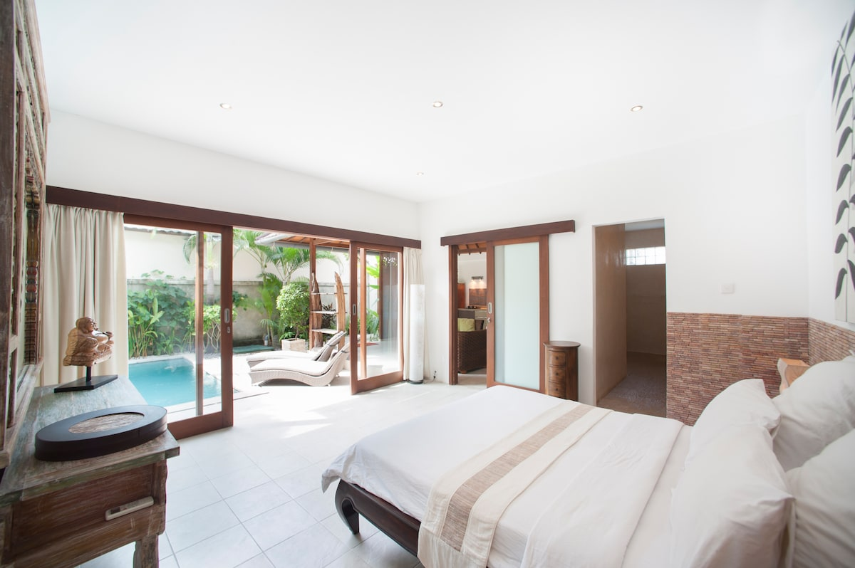 Villa Congo, 2 bedrooms villa with Private pool in heart of Seminyak BALI