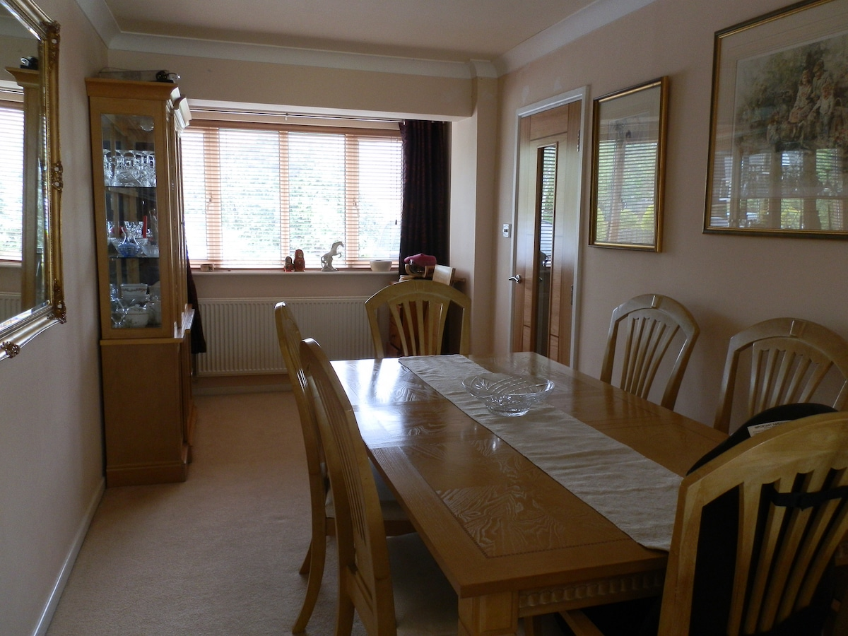 Dining table seats up to 10 people
