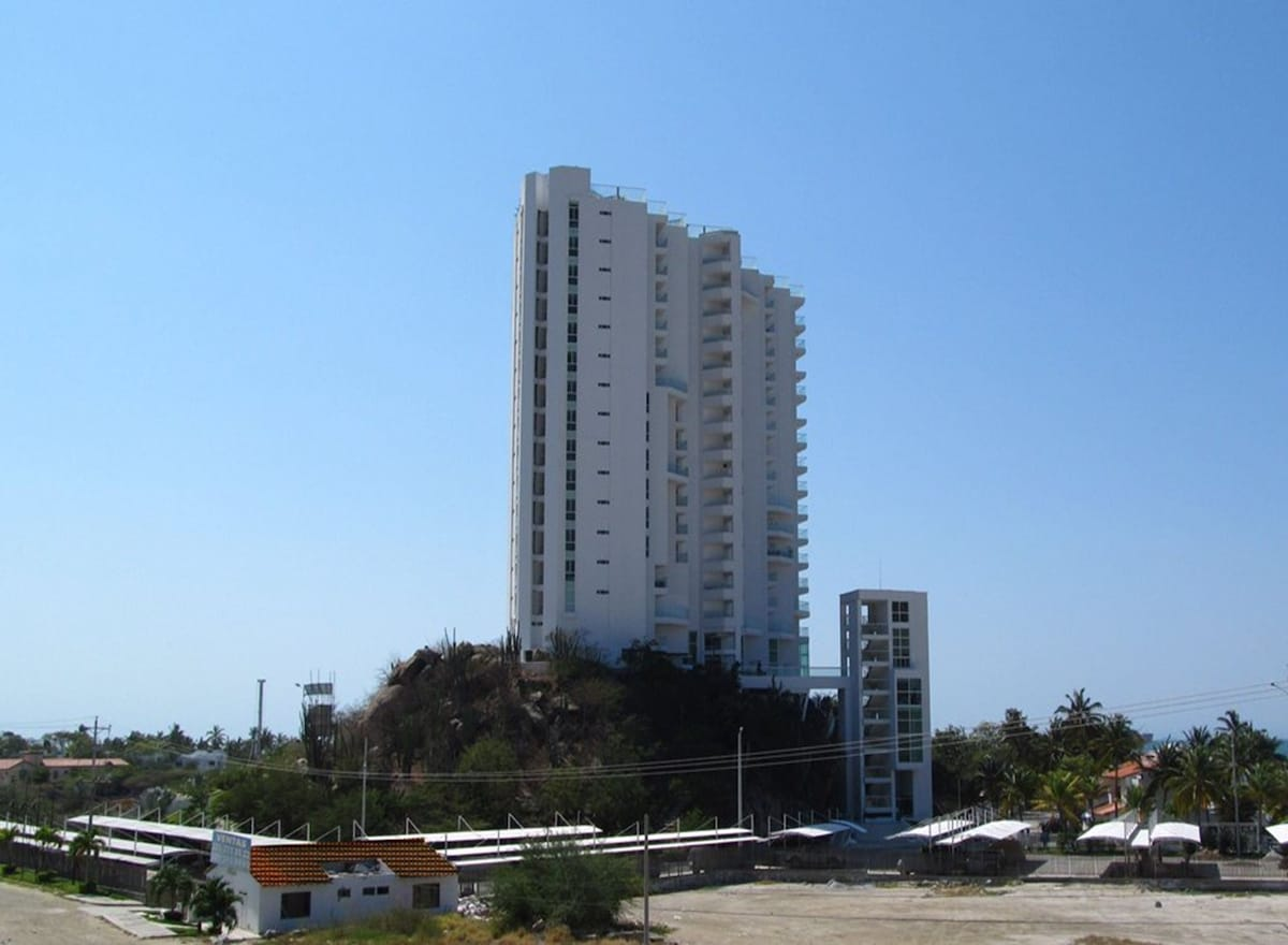 Exclusive flat in front the beach