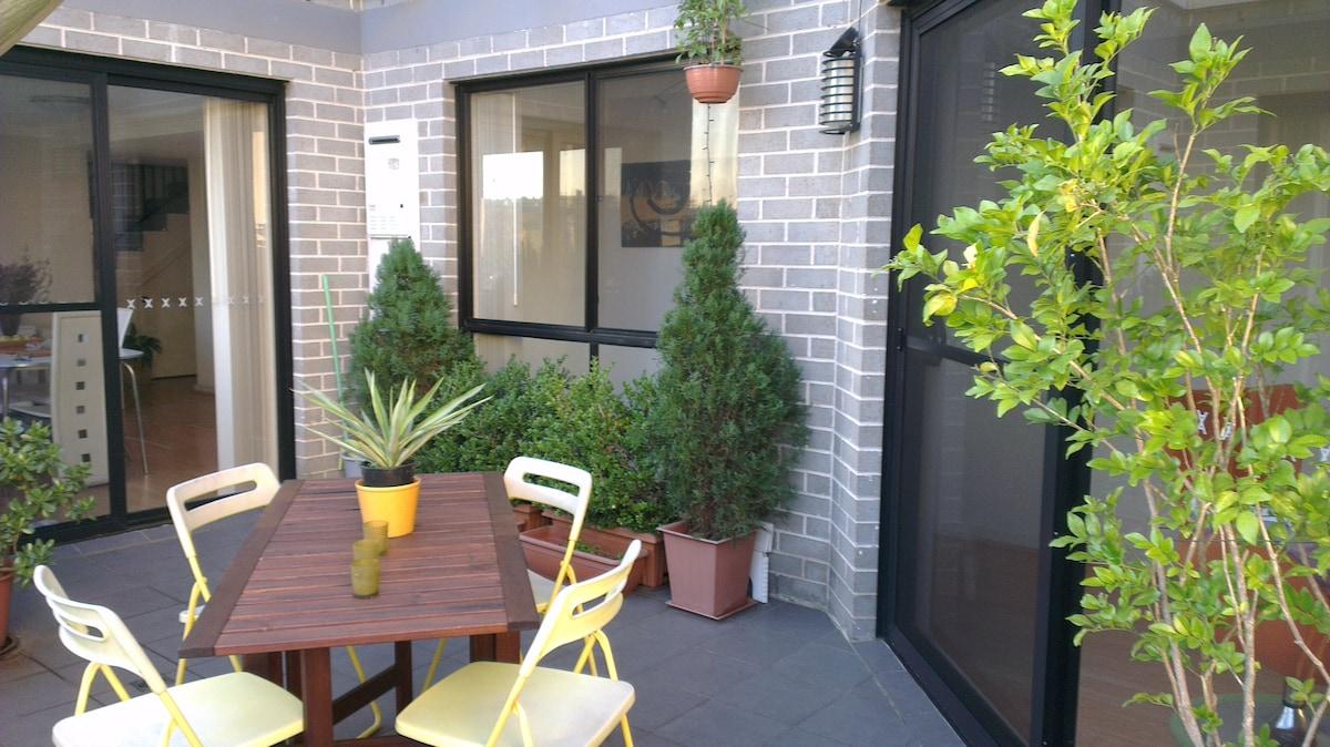 Boutique apartment at hostel rates!