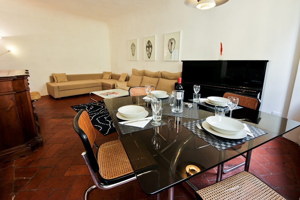 New andCharming Central apartment