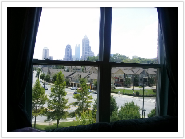 guest room view (city skyline)