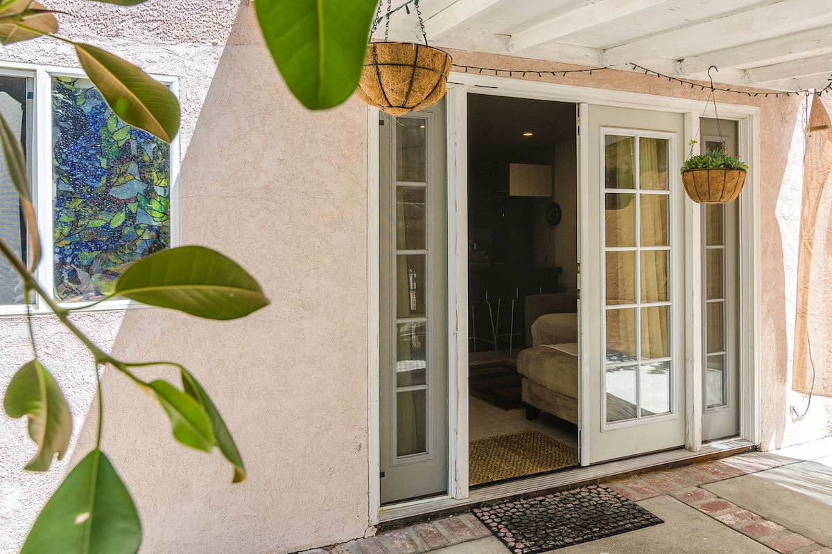 PRIVATE GUEST HOUSE  (4)