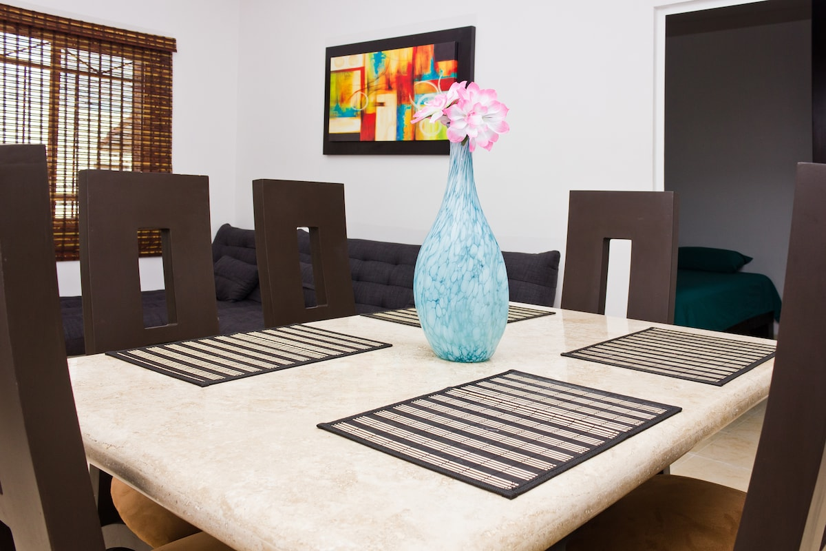 Luxurious Marble Table for 6 People