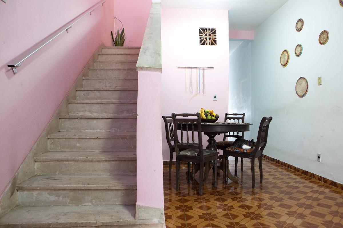 Bright Sun Room w. Hammocks + Deck