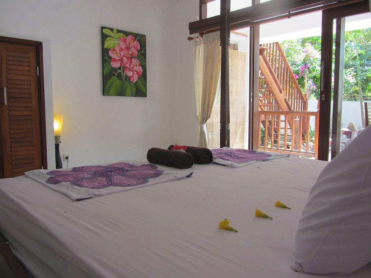 frangipani suite super king size bed