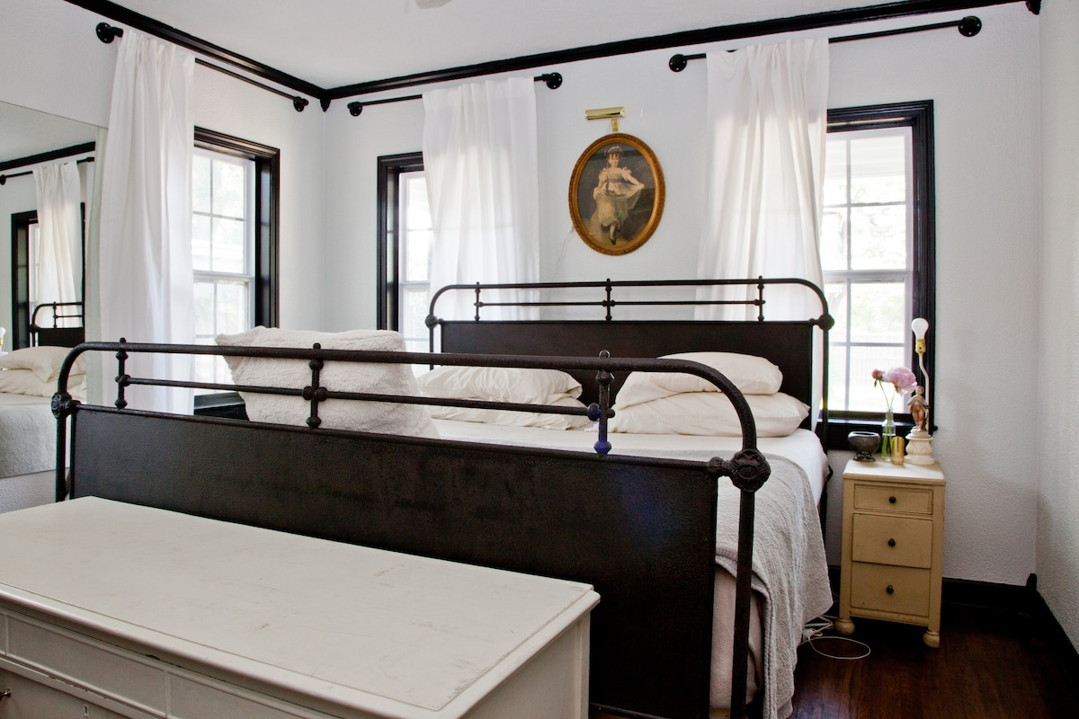 Master bedroom with brand NEW King sized TEMPURPEDIC bed and Restoration Hardware linens.