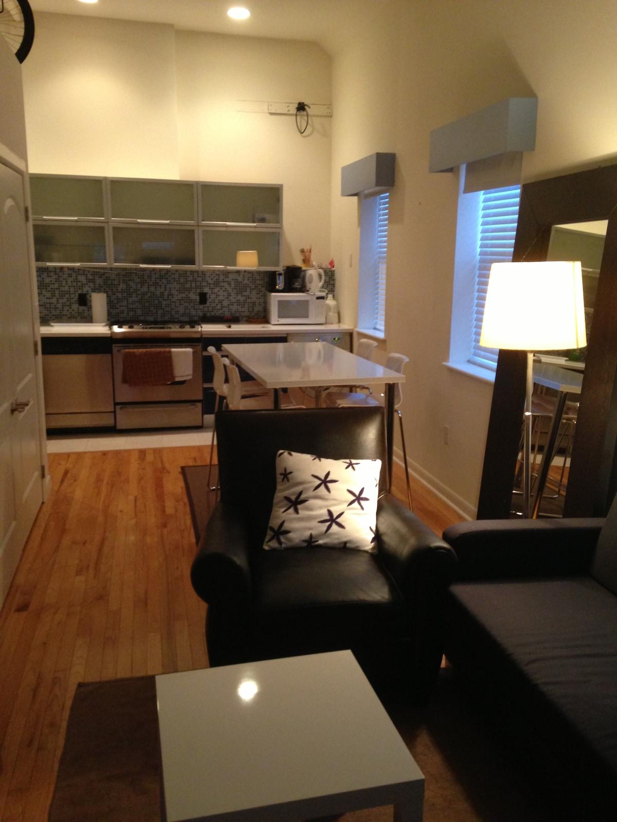 Studio 470 sq.ft 1 block Lincoln Rd