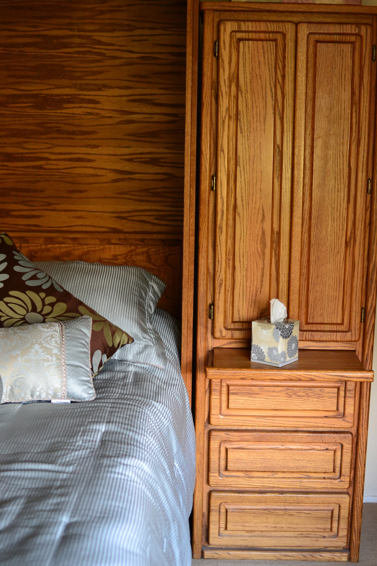 Drawers and shelves available to store belongings and pull-out night stands
