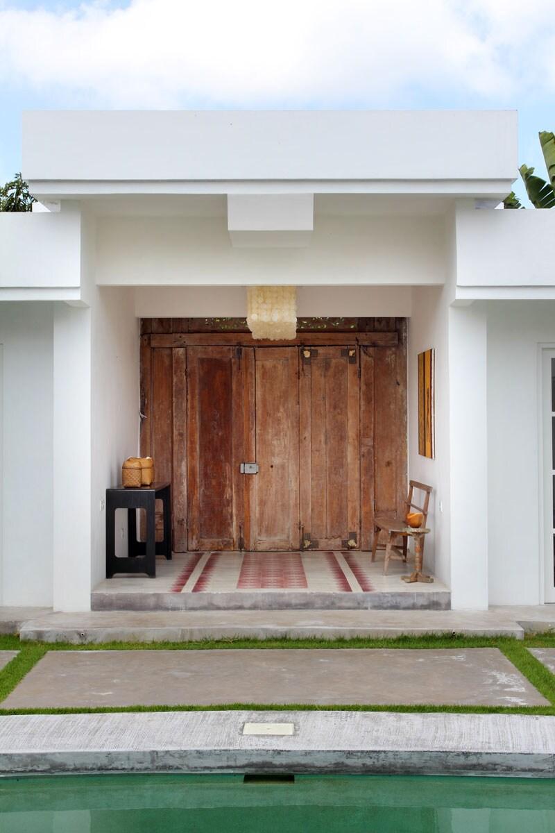 Enter of the villa.