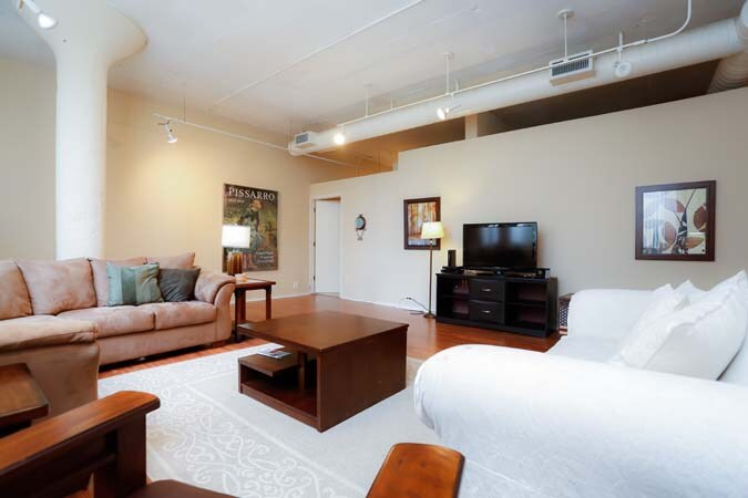 2 bedroom/2 bath loft in Lincoln Pk