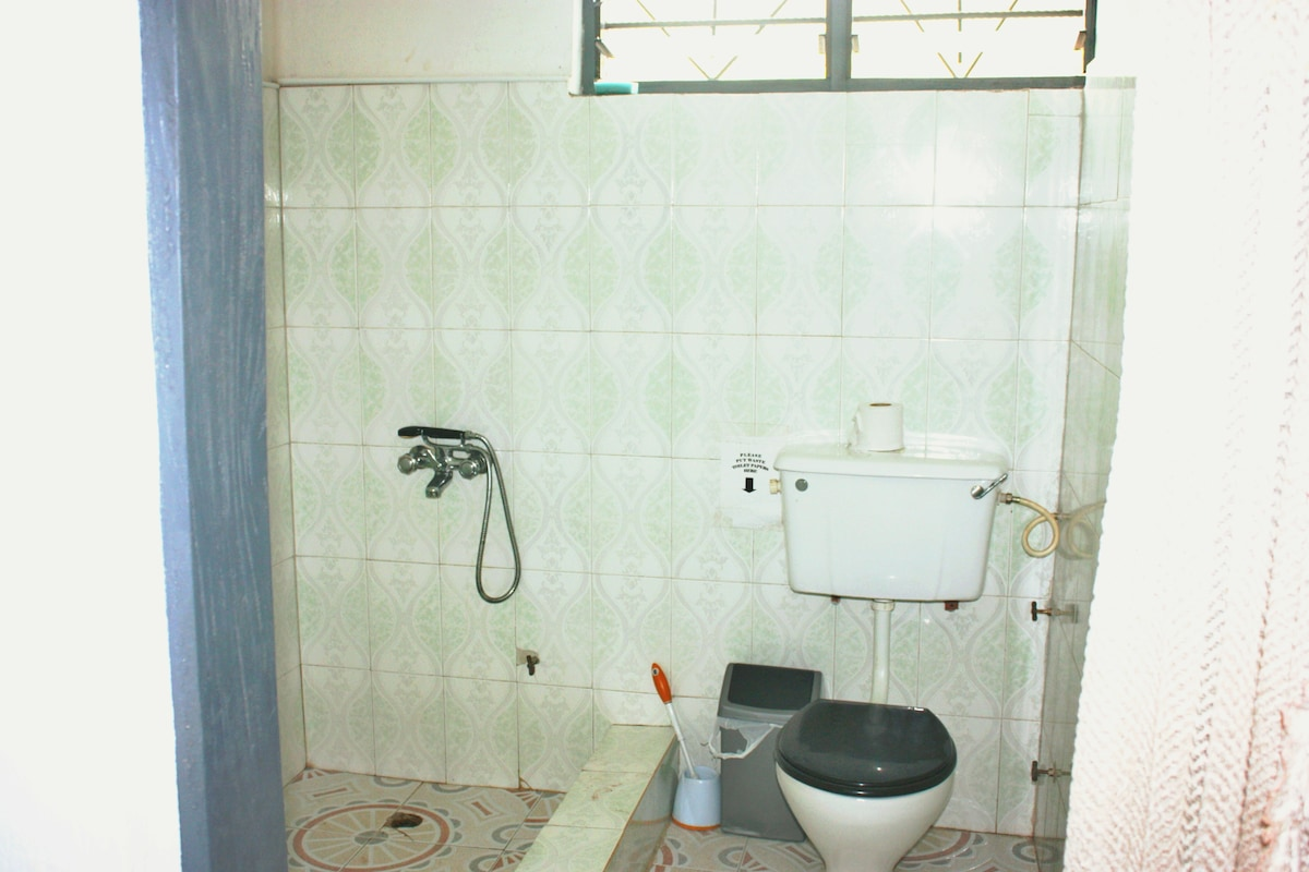 Private bathroom with toilet, one in each master bedroom