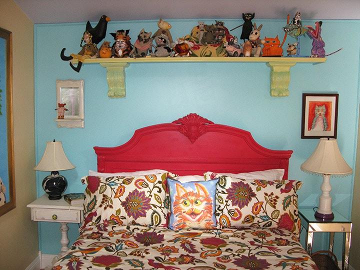 Queen bed ~ super comfy.