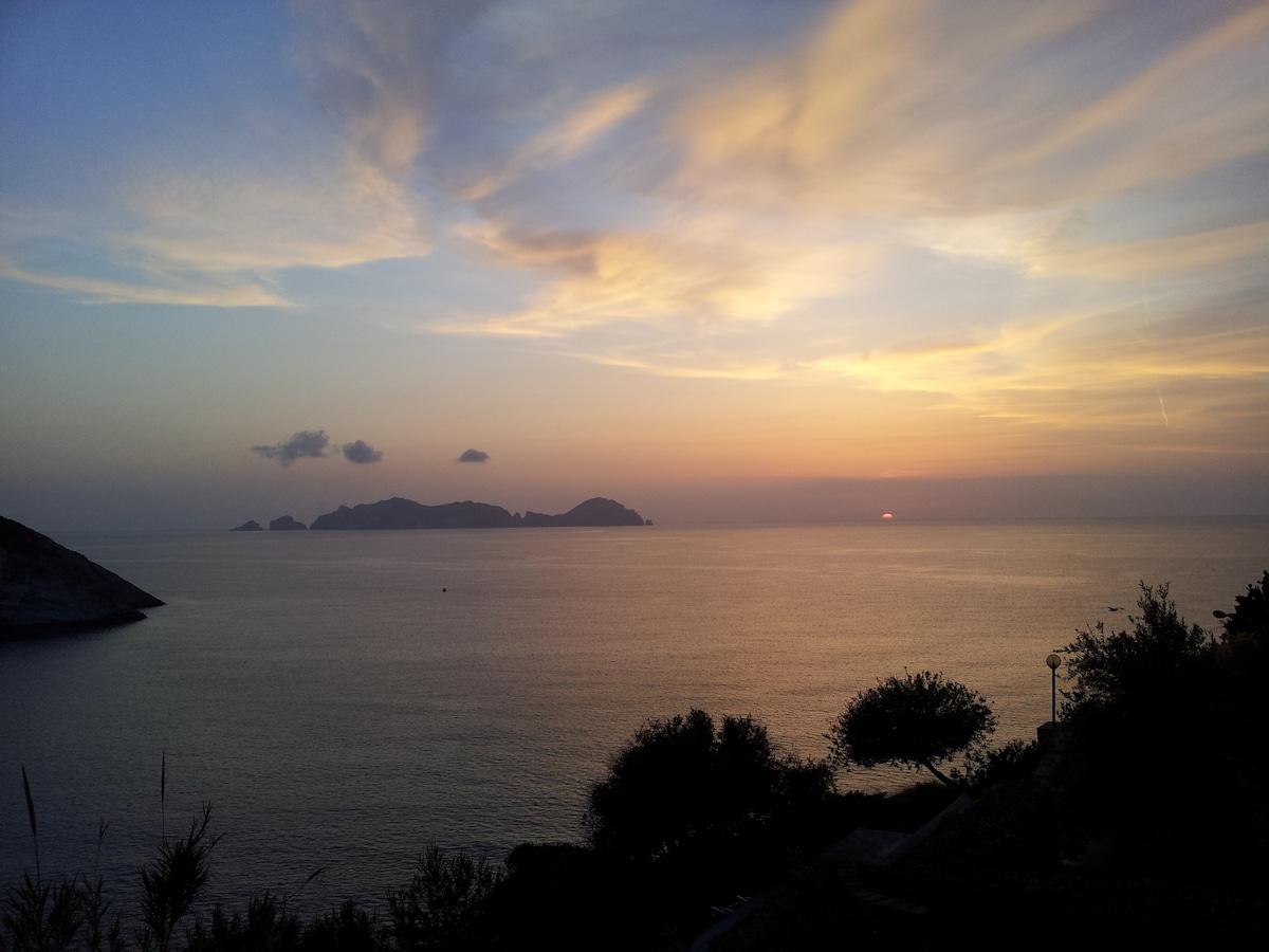 Cala Brigantina,SunsetVillage,Ponza