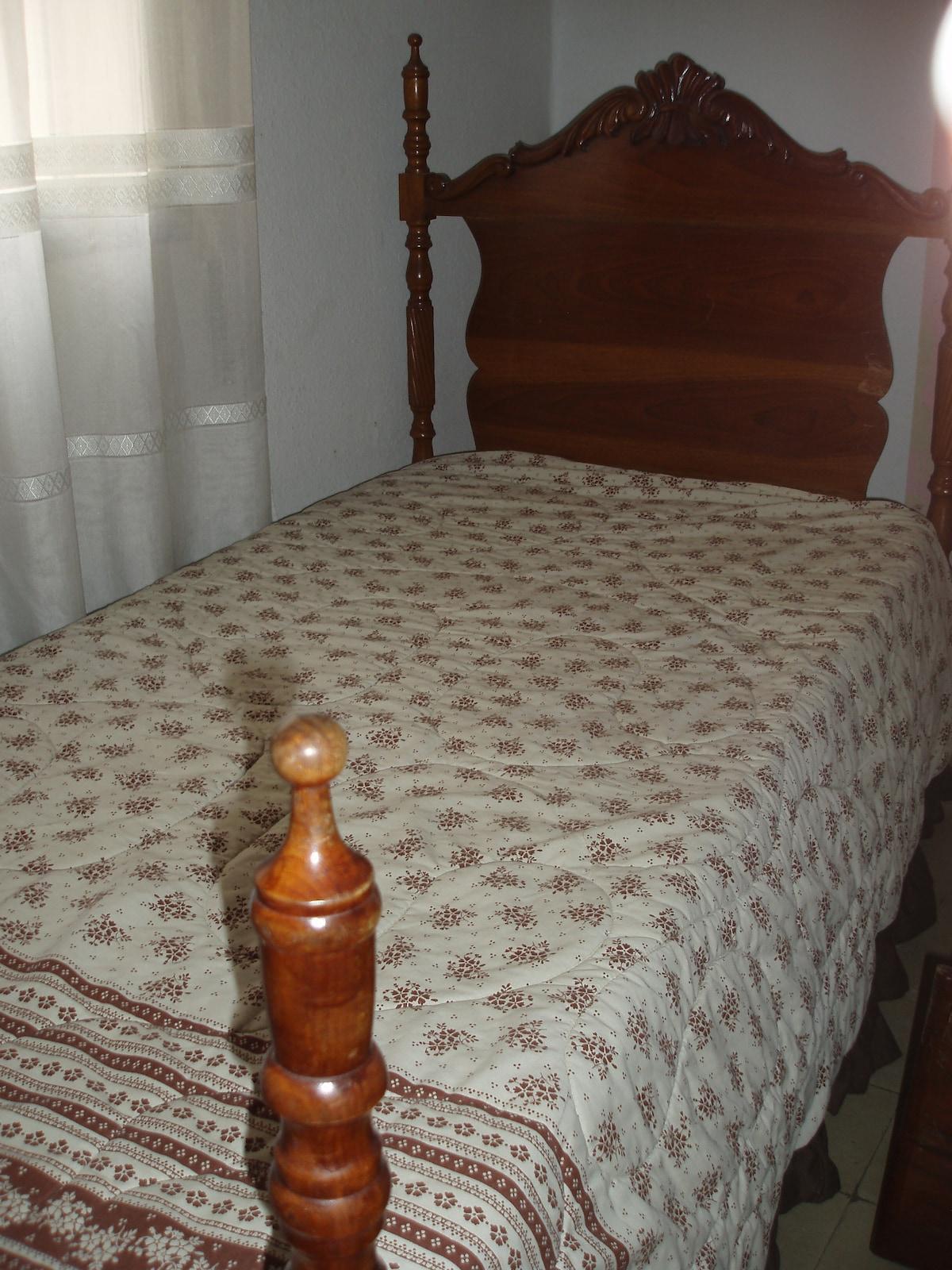 bedroom very ligth