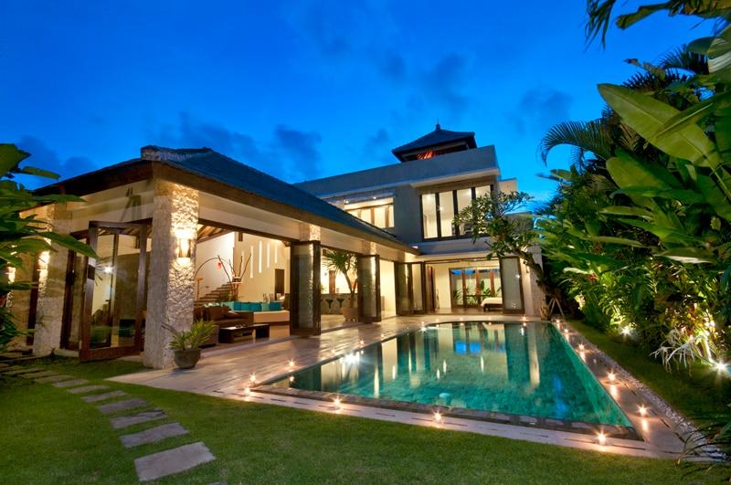 Pool-Villa mit Bali-Panorama-View