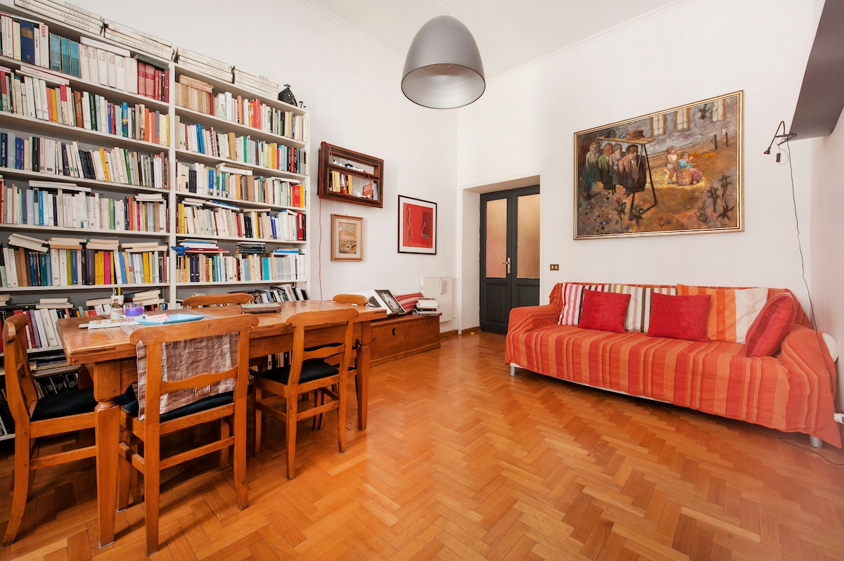 ELEGANT ACCOMODATION NEAR COLOSSEO