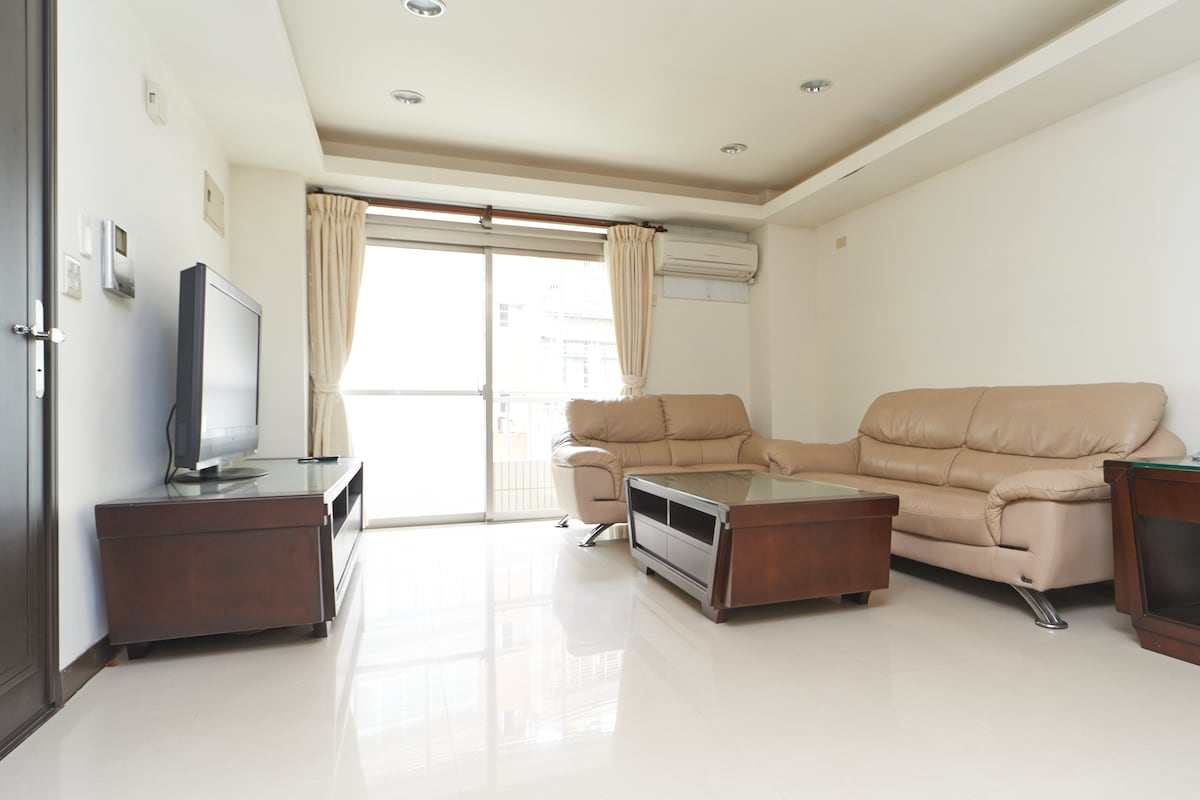 Brand-new Furnished, up to 6 people