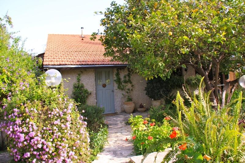 Private Unit  en-Suite with Garden