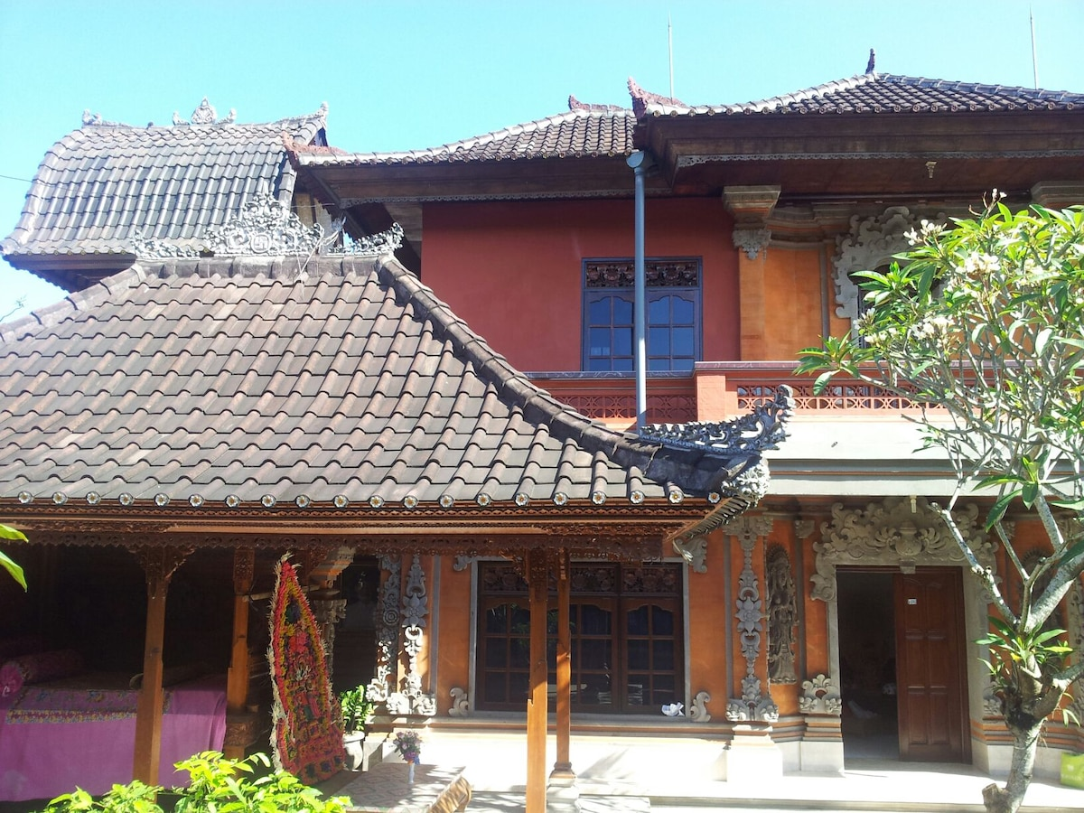 Real balinese life,house and culture