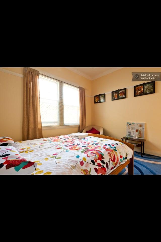Sunny room- close to Coogee Beach