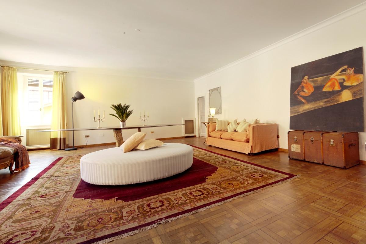 Living room super comfortable round sofa