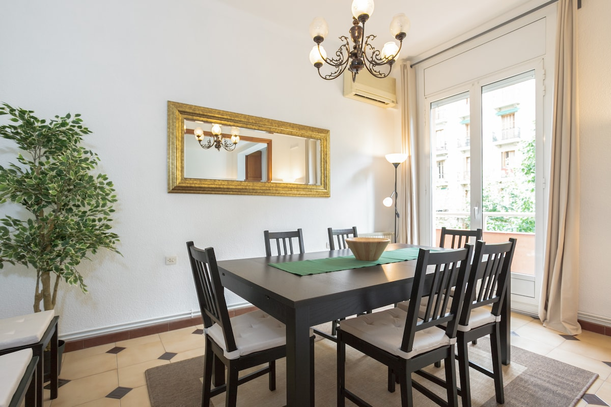 Dining room( with extendible table)
