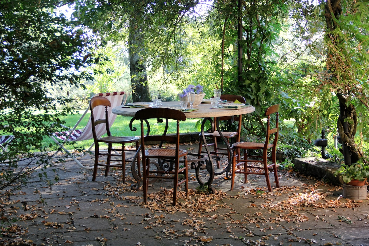 ..a lunch in the garden..