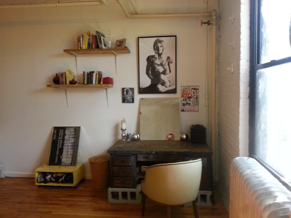 Sapphic Artist Loft @ N Bedford