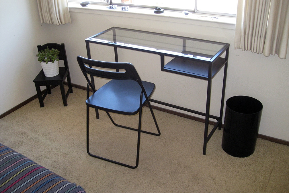 Writing/laptop table & chair