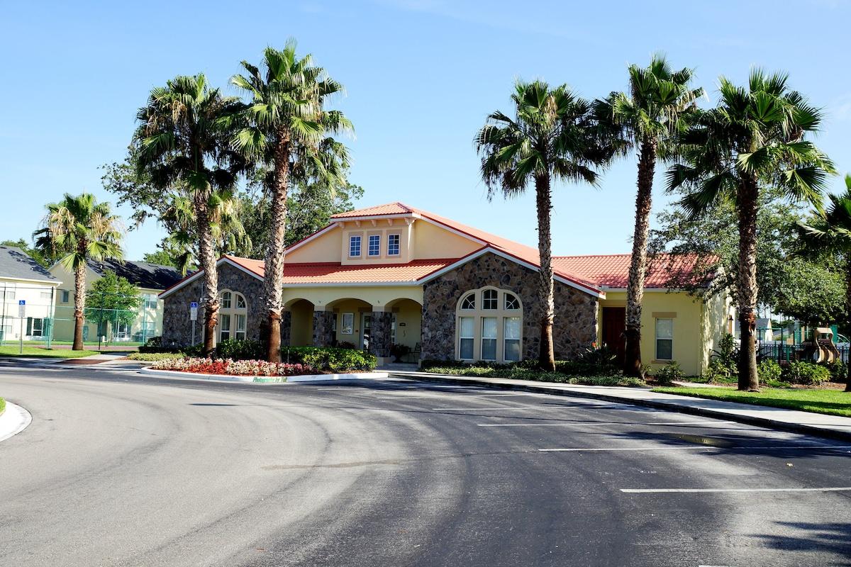 4000 Sqft Club House