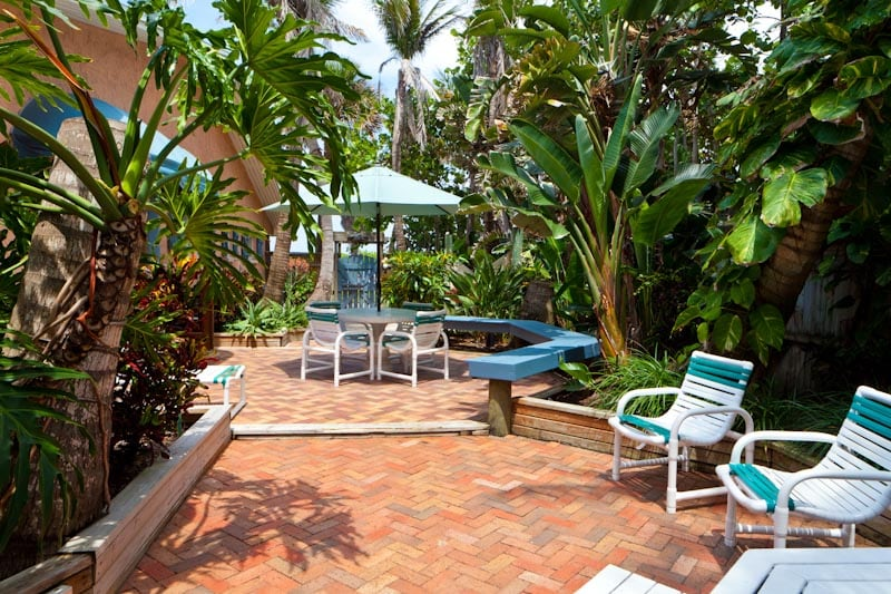 Private tropical garden for the Palms villa
