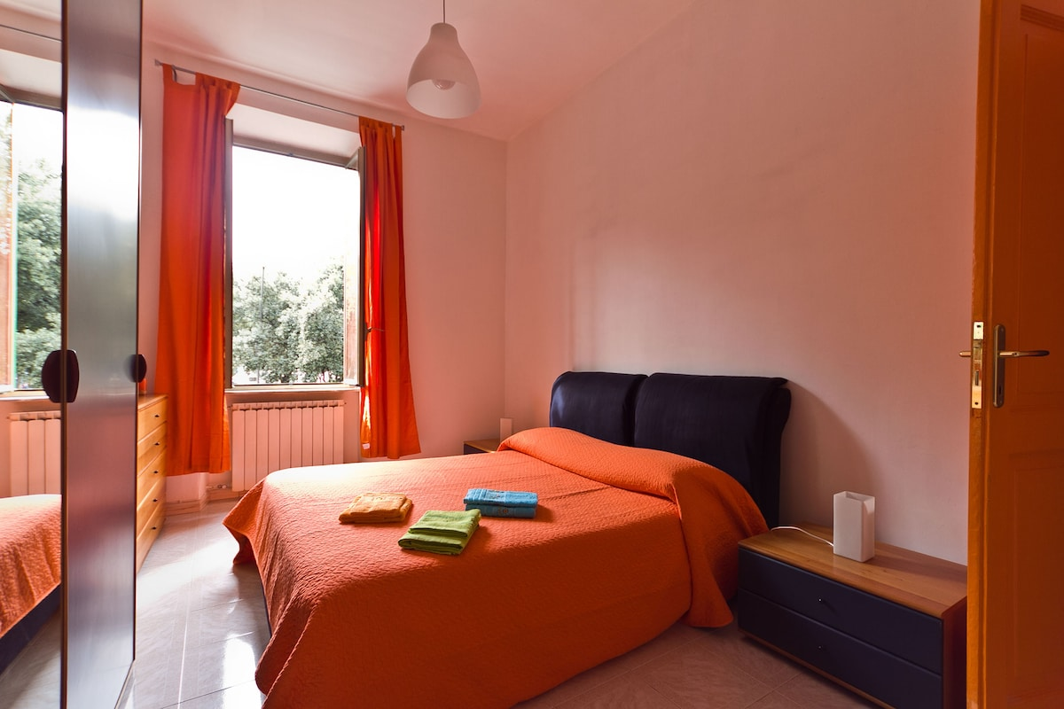 double bedroom + 1 bed if you need...