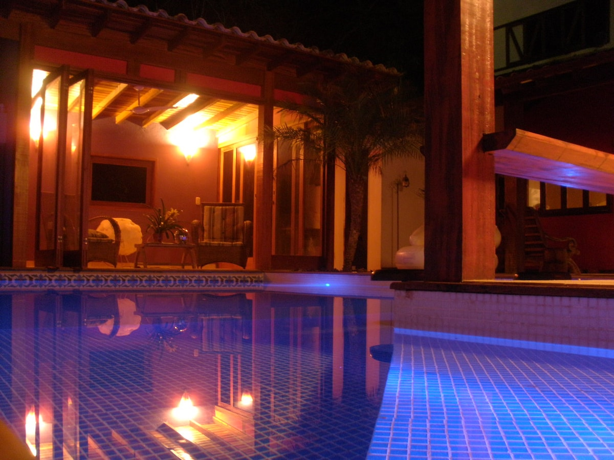 Cool house with pool in Paraty
