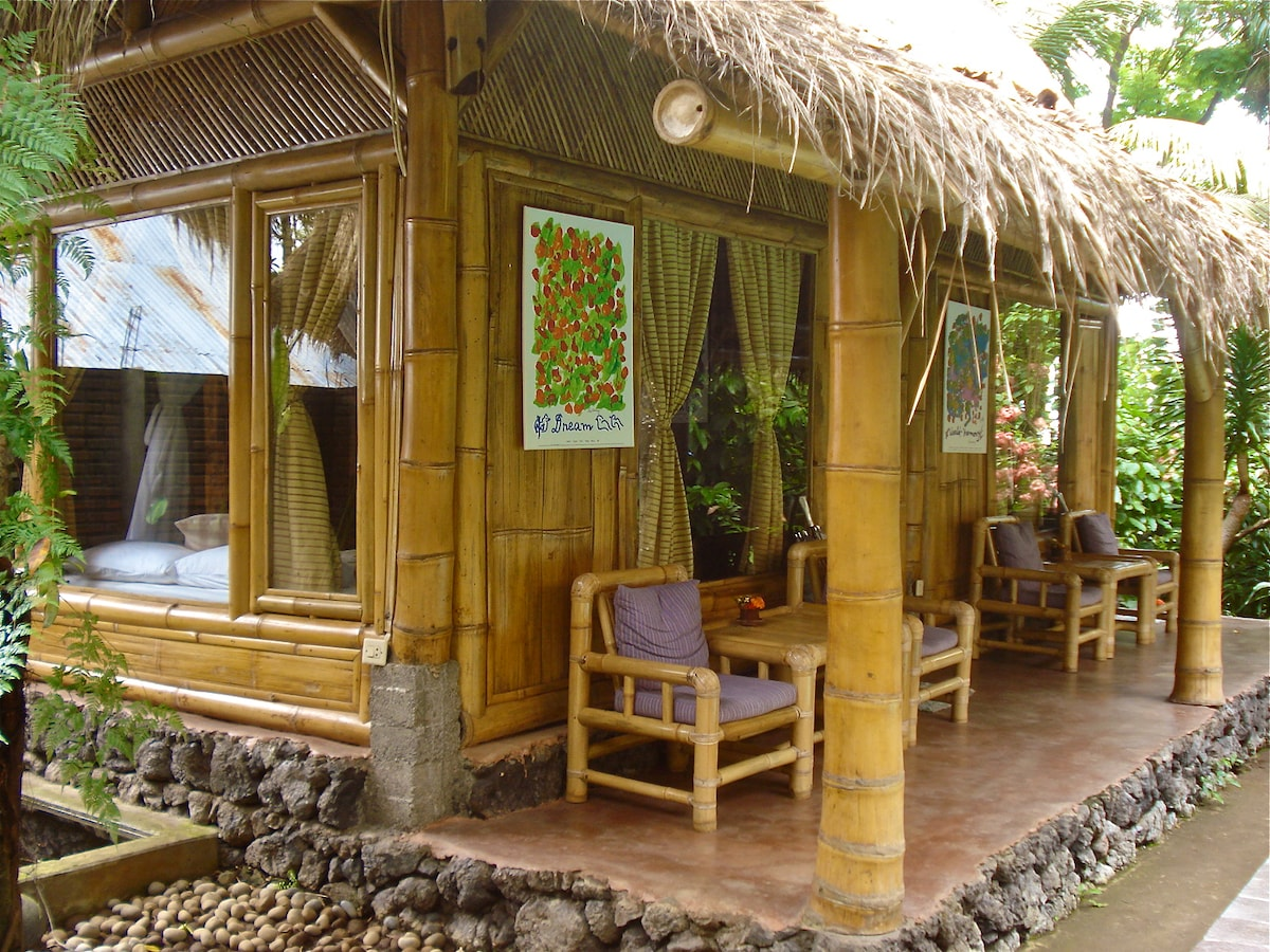 environmentally friendly bamboo cottages
