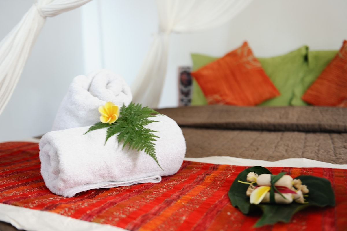 Fresh towels and Traditional Balinese treats dodol  await your arrival