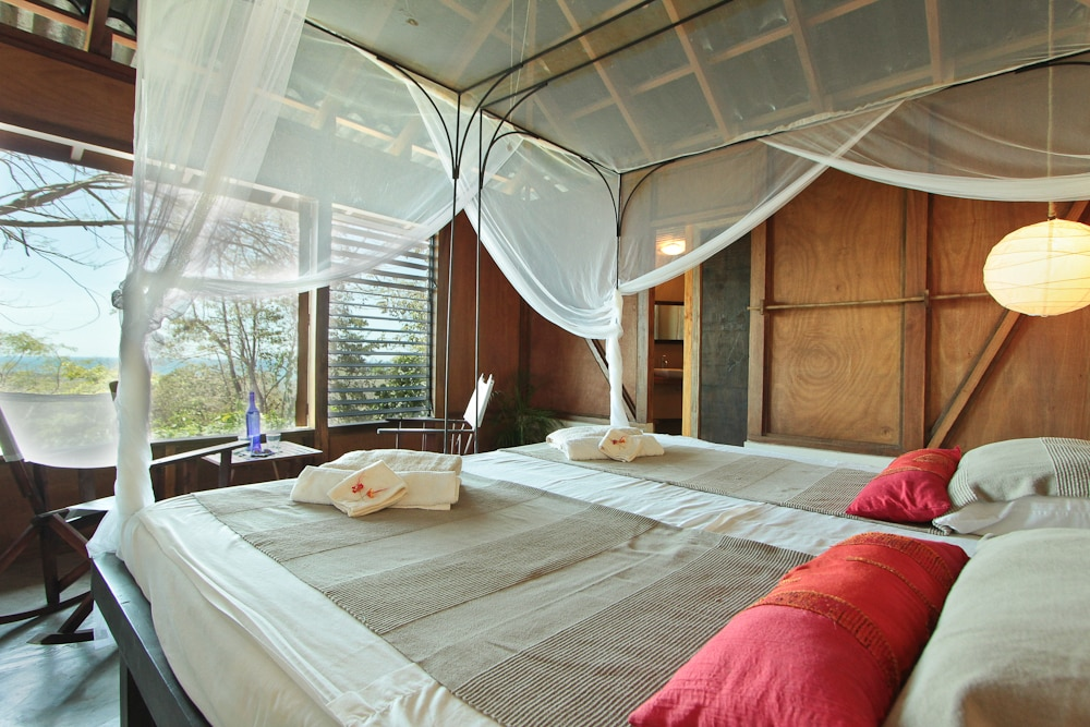 private room in modern guesthouse.1