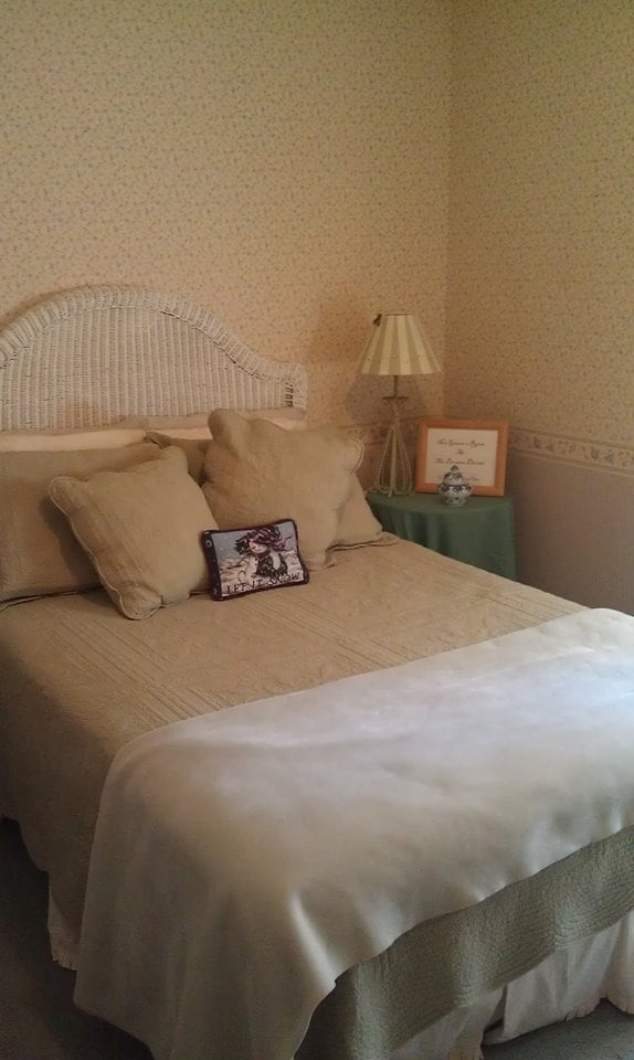 Guest Room has a double bed.
