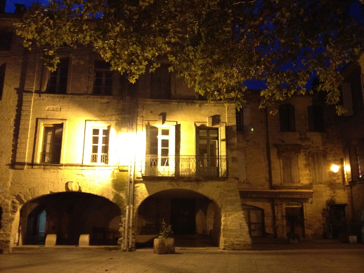 Our studio with the french balcony at night ...