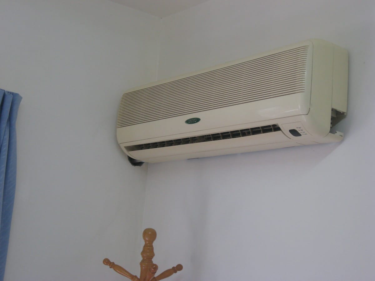 Air Conditioning with Remote Control for convenience.