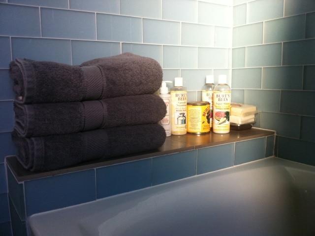 CLEAN MODERN  PRIVATE BATH+BALCONY
