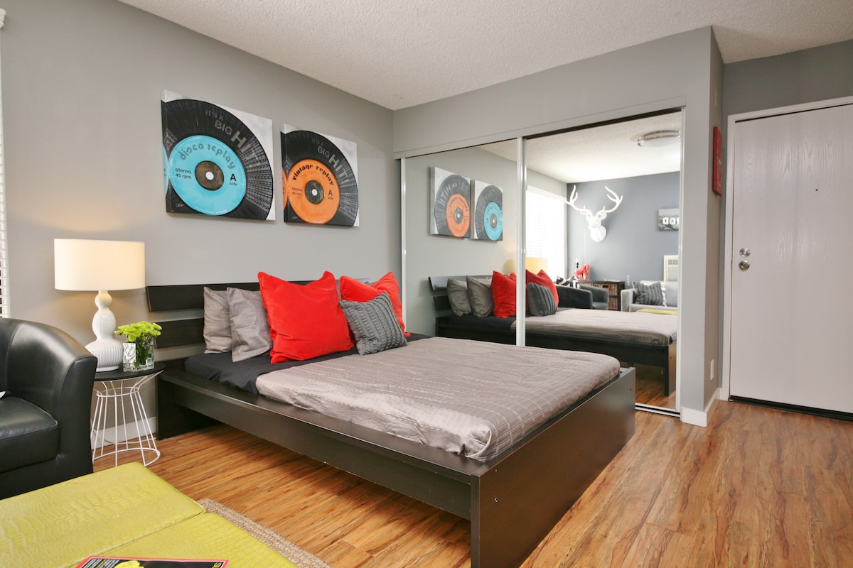 Crashpad: Hollywood & Highland