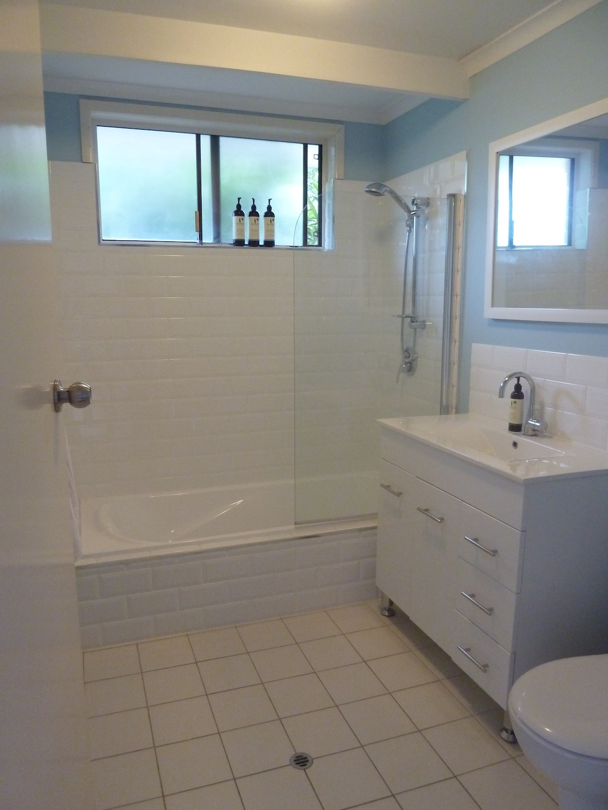 Private newly renovated bathroom, towels and basic toiletries available