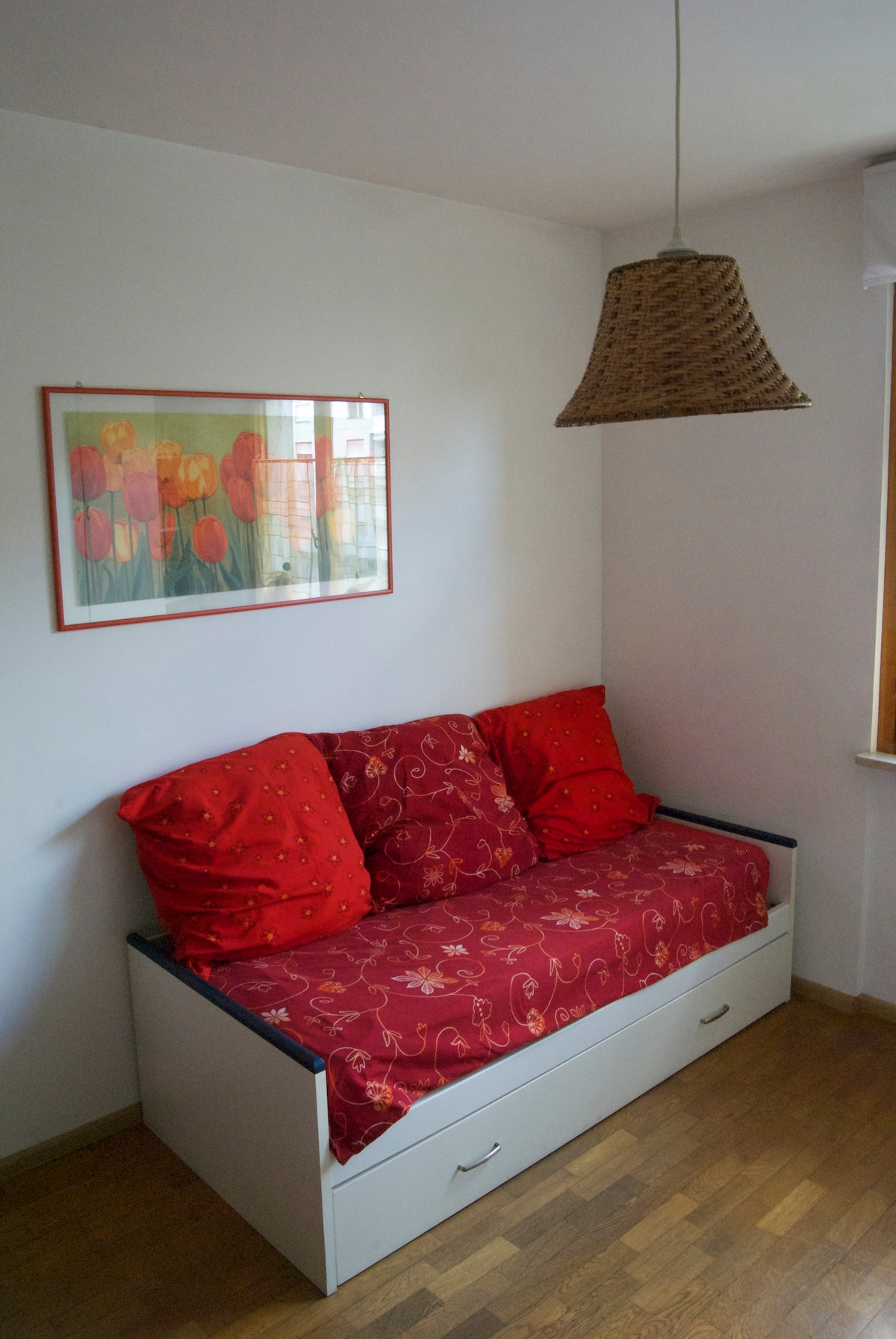 Red double bedroom, big apartment