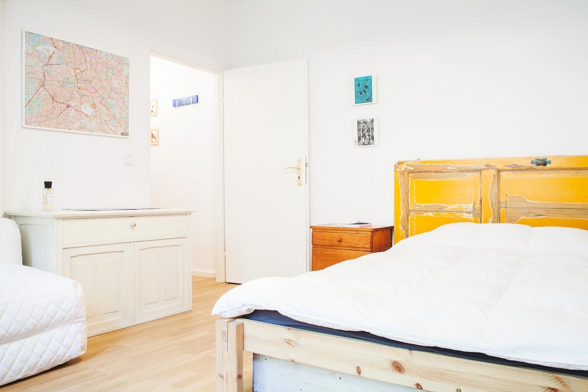 Beautiful studio flat in Kreuzberg