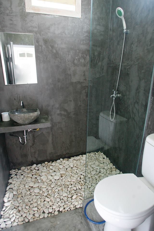 Shared bathroom for two rooms