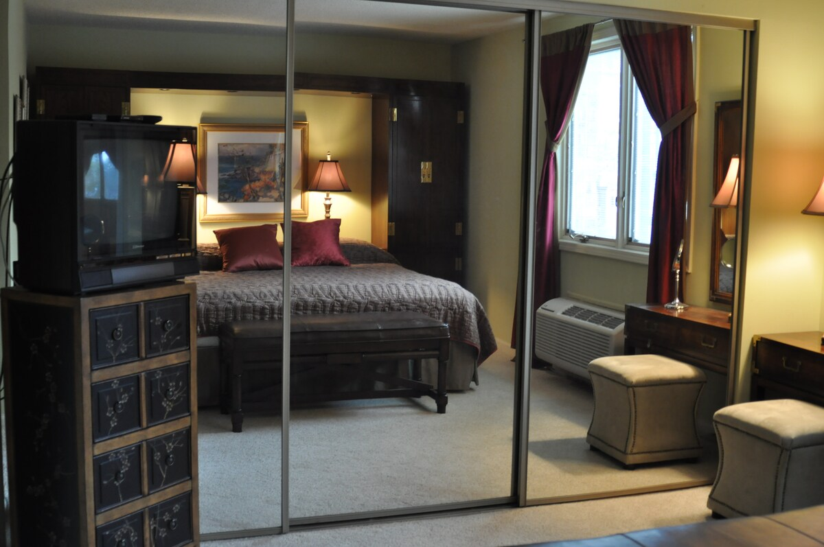 Blackout curtains, top notch bed and bedding... you will be able to get good sleep!