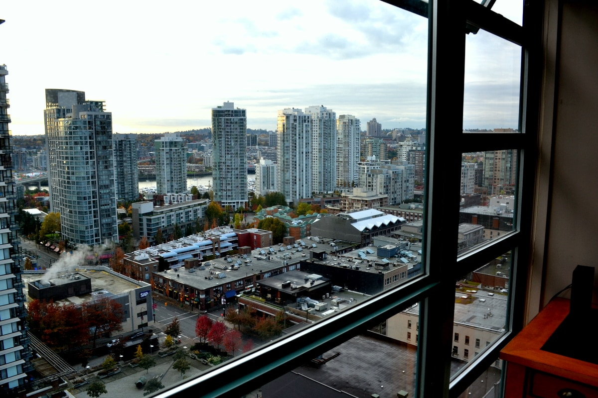 Nice View, two blocks from great restaurants and sky train to airport.