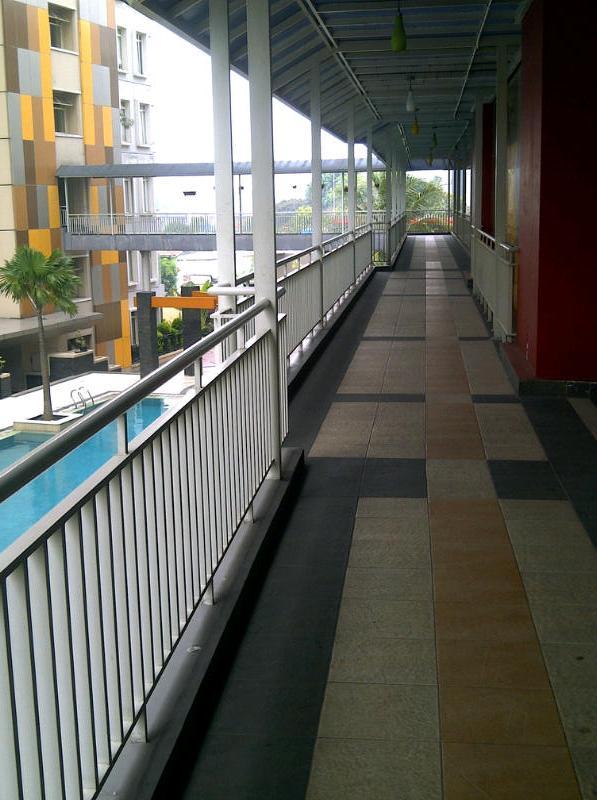 Gardenia Boulevard, Kemang / WiFi
