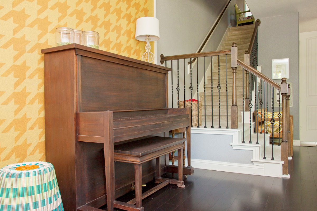 Fully tuned, 1920's piano.  We love this piece.  Please use the piano...with caution, of course!